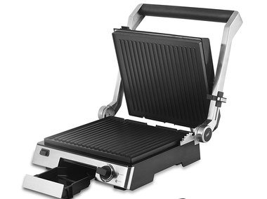 Family Grilling Machine With Front Drip Tray