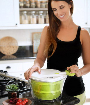 Big Salad Spinner With White Cover
