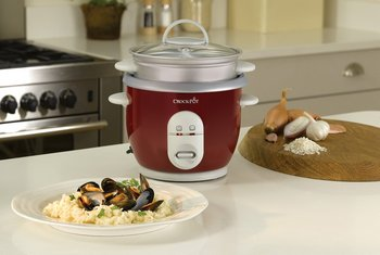 2 Settings Rice Cooker In Red And Chrome Finish