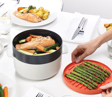 Microwave Vegetable Steamer Pot In Black And White