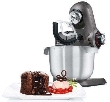 SensorControl Bread Dough Mixer With Cake On Dish