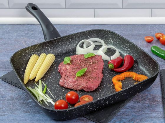 Steak Griddle Pan With Curved Handle