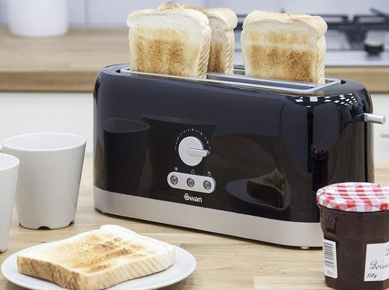 Black Long Slot Toaster With Front Dial
