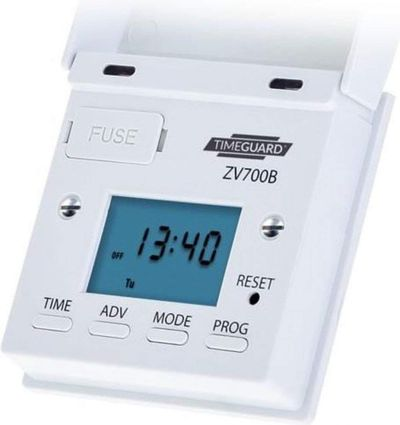 7 Day Digital Light Switch Timer In White