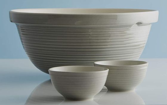 Traditional Mixing Bowl With Ripple Exterior