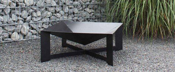 Black Steel Outdoor Cooking Pit