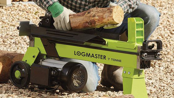 Compact Log Splitter In Black And Yellow
