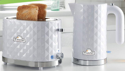 Toaster And Kettle Set With Steel Base