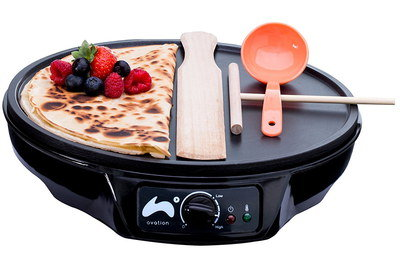 Mini Crepes Maker In All Black Exterior