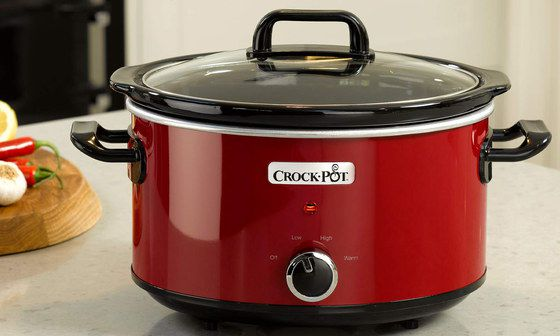 Red Slow Cooker With Round Glass Lid