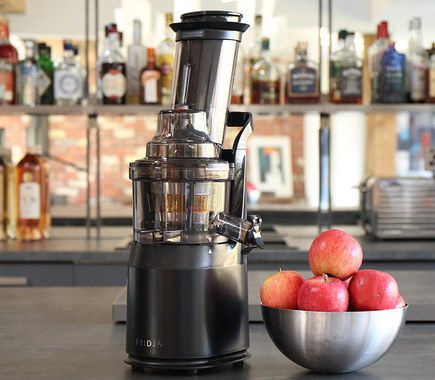 Best Whole Fruit Juicer UK With Easy To Clean Machine Parts