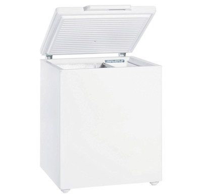 Chest Freezer In White With Lid Grip