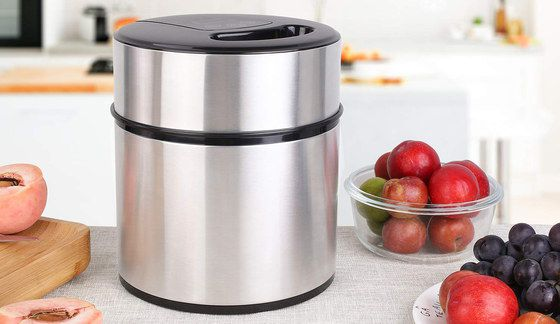 Electric Ice Cream Maker In Smooth Chrome Finish