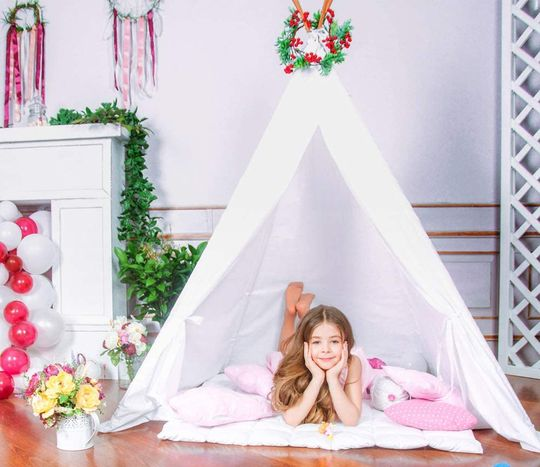 White Castle Teepee For Kids With Striped Flags
