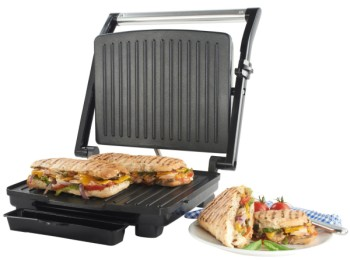 4 Slice Toastie Press In Black With Drip Tray