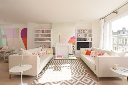 White Based Designer Central London Flat