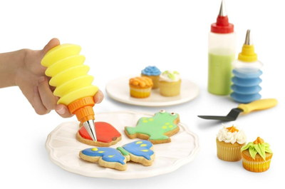 Kuhn Rikon Cookie And Cupcake Frosting Kit On White Table