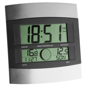 Radio Controlled Clock In Steel Effect